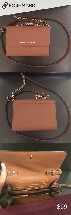 ❤️Preloved MK saffiano wallet crossbody bag❤️ In good condition. Michael Kors Bags Crossbody Bags
