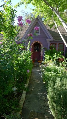 Adorable little lavender cottage (at Halloweentime)