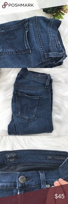 "CoH Ava Lowrise Straigh Leg Citizens of Humanity Ava jeans. Inseam is 33"". Very soft denim. Still in great conditions. Citizens Of Humanity Jeans Straight Leg"