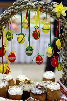 Valentina D – Google+ Egg Crafts, Easter Crafts, Diy And Crafts, Easter Tree Decorations, Easter Wreaths, Happy Easter Pictures Inspiration, Gif Fete, Easter Toys, Christmas Swags