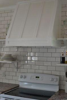 best ideas for apartment kitchen backsplash diy range hoods Kitchen Redo, Kitchen Backsplash, Kitchen Remodel, Kitchen Ideas, Kitchen Inspiration, Kitchen Updates, Kitchen Living, Kitchen Cabinets, Kitchen Stuff