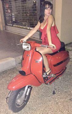 Piaggio Vespa, Lambretta Scooter, Vespa Scooters, Vespa Girl, Scooter Girl, Red Vespa, Italian Scooter, Skinhead Girl, Scooter Motorcycle
