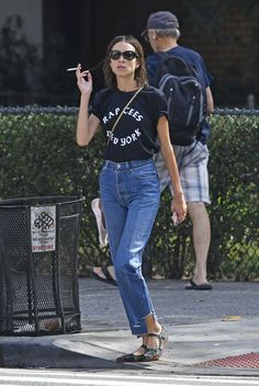 alexa chung style best outfits - Page 33 of 100 - Celebrity Style and Fashion Trends Fashion Mode, Look Fashion, Alexa Chung Street Style, Estilo Cool, Cool Style, My Style, Street Style Summer, Mode Inspiration, Style Icons