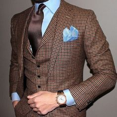 Sophistication on blues and browns with a light blue pocket square
