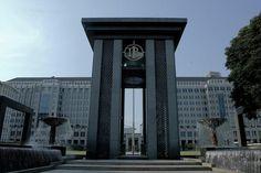 banking indonesia BI: Three Indicators Show BI Rate Drop Effectively Curbs Bank Interest Interest Rates, Under Pressure, Debt, Big Ben, Lima, Building, Limes, Buildings