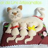 Dog Crafts, Sewing Crafts, Sewing Projects, Crafts For Kids, Sewing Stuffed Animals, Stuffed Animal Patterns, Felt Crafts Patterns, Pom Pom Crafts, Cat Quilt