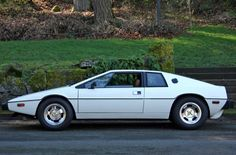 Submarine Sibling: 1977 Lotus Esprit S1....sublime....and so much cooler than a classic porsche...