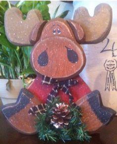 Christmas Moose, Christmas Wood Crafts, Primitive Christmas, Rustic Christmas, Christmas Projects, Holiday Crafts, Christmas Holidays, Christmas Decorations, Christmas Ornaments
