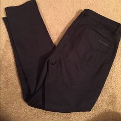 """NEW! CK super stretchy skinny pants Black stretchy skinny pants. I'm 5'8"""" and they stop right above the ankle. Button in front. In perfect condition. Hardly worn. Calvin Klein Pants Skinny"""
