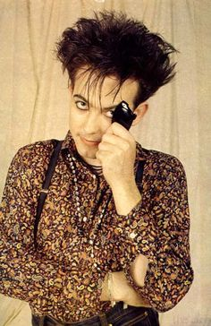 #TheCure #RobertSmith Bob in a cute shirt.