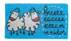 Felpudo Bieeeenvenidos. Un felpudo original y muy colorido perfecto para regalar. Con diseño de Anna Llenas, y lo tenemos en Decocuit, regalos y decoración en Burgos y también en www.decocuit.com.