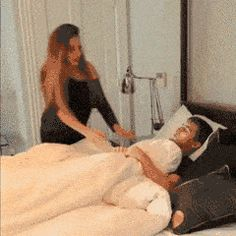 Different Ways To Wake Someone Up #compartirvideos #funnyvideos