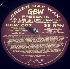 #nowspinning Kid Lib & Tim Reaper - The Amen Therapy EP. Green Bay Wax: GBW 007 (2017). Title tells you everything you need to know. Production Royalty. #dnb #drumandbass #drumnbass #jungle #kidlib #timreaper #greenbay #greenbaywax #gbw #amen #vinyl #vinyljunkie #record #recordcollector #recordcollection #recordplayer #igvinylclub #igvinylcommunity #instavinyl
