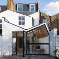 idée agrandissement maison petit-espace-verre-metal-facade-blanche