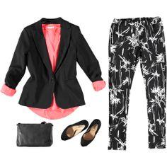 Outfit fashion per una giornata in ufficio. Abbina il tuo completo con una decollete spuntata Age! | Nico.it