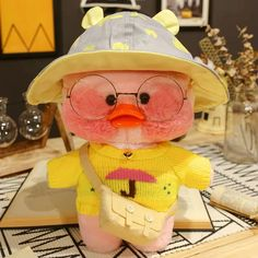 Buy cafe Mimi stuffed toys duck plush dolls for kids with different colors and size. It also can be used for home decoration. It's a funny home decor present. Funny Home Decor, Disney Home Decor, Presents For Kids, Gifts For Kids, Mochi, Duck Toy, Non Toy Gifts, Stuffed Animal Cat, Hello Kitty Birthday