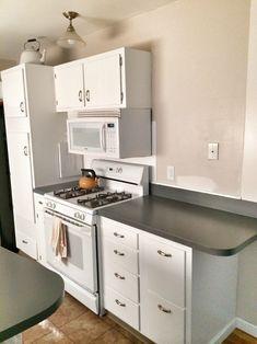 kitchen after white 5 Rustoleum Countertop, Cheap Countertops, Concrete Countertops, Kitchen Countertops, Kitchen Cabinets, Cupboards, Kitchen Tiles, Diy Kitchen, Kitchen Design