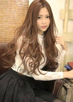 She's like a human doll. Super Long Hair, Long Wavy Hair, Asian Hair And Makeup, Hair Makeup, Curled Hairstyles, Cool Hairstyles, Balayage Long Hair, Hair Arrange, Japanese Hairstyle
