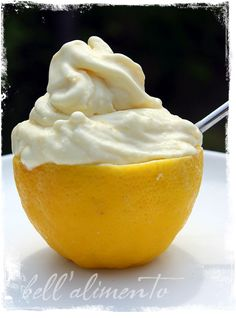 Lemon Gelato - love the idea of serving in a lemon half! For low carb, substitute sugar with favorite low carb sweetener. Ingredients call for whipping cream, & lemons, egg yolks, vanilla - plus the sugar Gelato Ice Cream, Yummy Ice Cream, Ice Cream Maker, Homemade Ice Cream, Gelato Homemade, Homemade Sorbet, Ice Cream Desserts, Frozen Desserts, Ice Cream Recipes