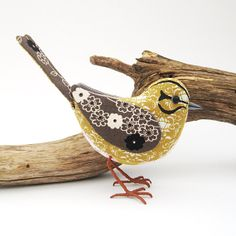 Fabric Bird YELLOWHAMMER by TheCottonPotter Fabric Animals, Fabric Birds, Felt Fabric, Fabric Dolls, Cotton Fabric, Textile Sculpture, Soft Sculpture, Textile Art, Fabric Crafts