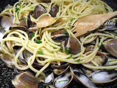 Gli spaghetti con le vongole sono forse il più classico dei primi piatti di pesce. Veloci da preparare vi faranno fare un figurone in tutte le vostre cene a base di pesce .