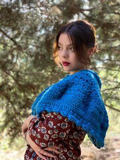 Little Treasures: The Audrey Capelet December 12, April 11, Crochet Stitches Patterns, Stitch Patterns, Freeform Crochet, Diy Things, Instagram Blog, Capelet, Mori Girl