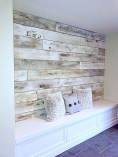 Wood Pallet Plank Focal Wall painted and created with the help of Modern Masters Glazing Cream Colors | Reading Nook Feature Wall | Project by Bella House Faux | Accent Wall Ideas | Modern Mastery feature