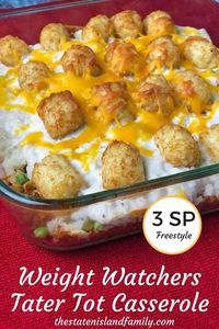 Healthy Weight Weight Watchers Tater Tot Casserole (Only 3 SmartPoints! Freestyle) - Don't give up the good stuff while eating Weight Watchers. This Weight Watchers Tater Tot Casserole is Only 3 SmartPoints! Weight Watchers Casserole, Plats Weight Watchers, Weight Watcher Dinners, Weight Watchers Smart Points, Weight Loss Meals, Weight Watchers Pasta, Weight Watchers Vegetarian, Weight Watchers Recipe Ground Beef, Gourmet