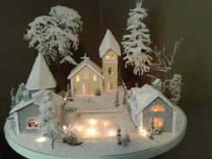 1 million+ Stunning Free Images to Use Anywhere Paper Christmas Decorations, Christmas Village Display, Christmas Villages, Christmas Centerpieces, Christmas Paper, Christmas Projects, Christmas Home, Christmas Wreaths, Holiday Decor