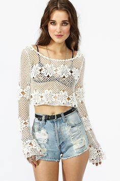 camiseta de crochet con mangas largas para la playa