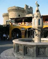 The Medieval City of Rhodes Island, Greece has been inscribed as a UNESCO World Heritage City Old Town Cafe, Acropolis Greece, Greece Rhodes, Monuments, Medieval Town, Historical Architecture, Greek Islands, World Heritage Sites, Rhode Island