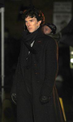 Benedict Cumberbatch seen filming in Euston for the next Sherlock series in London. HERE IS SHERLOCK!!!