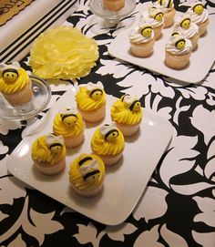 Fondant Bumble Bee Cake and Cupcake Toppers. $25.00, via Etsy.