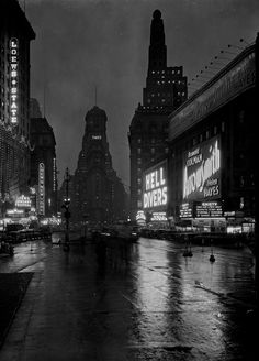 Samuel H Gottscho. Times Square at dusk, looking south from 47th Street. 1932