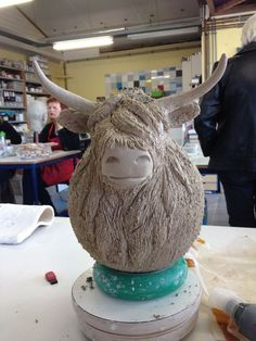Hottest No Cost Slab Pottery animals Concepts Kuh Kuh – Pottery Animals, Ceramic Animals, Clay Animals, Ceramic Art, Pottery Tools, Slab Pottery, Pottery Art, Pottery Ideas, Ceramic Pottery
