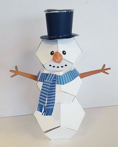 Make your own #free #holiday decorations #craft #crafts #snowman #diy #holidays #partyplanning #kids #kidsactivities #diyproject #brothercreativecenter www.brothercreativecenter.com
