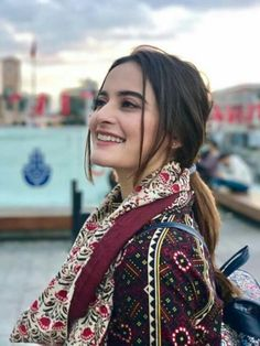 Million Dollar Smile😊 Pakistani Party Wear Dresses, Pakistani Wedding Outfits, Girl Pictures, Girl Photos, Aimen Khan, Girls Dp For Whatsapp, Profile Picture For Girls, Girls Dpz, Boys Dpz