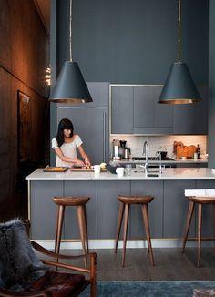 Une cuisine qui parait plus grande grâce à une couleur unie dans la cuisine