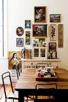 Si l'on sait plutôt facilement quels meubles on souhaite avoir chez soi, on peut être moins inspiré s'agissant de la décoration des murs...