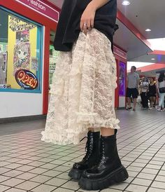 Image about fashion in — style inspo! by nicole alejandra - Image about fashion in — style inspo! by nicole alejandra - Looks Street Style, Looks Style, Looks Cool, Style Me, Aesthetic Fashion, Aesthetic Clothes, Look Fashion, Fashion Outfits, Womens Fashion