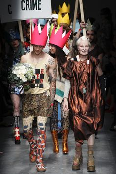 Vivienne Westwood Red Label Spring 2016 Ready-to-Wear Collection Photos - Vogue Punk Fashion, New Fashion, Fashion Brands, Fashion Show, London Fashion, British Fashion, Fashion 2016, British Style, Fashion Designers