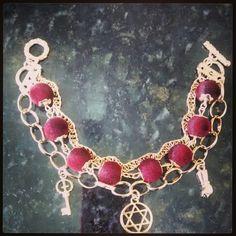 Trio de pulseiras em um só fecho! Linda!! Disponível em outras cores!!!