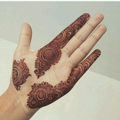 As Rakshabandhan 2019 is Coming, and colleges have started, Here's an article on Henna Mehndi Designs which you can easily pull off to college. These are not too difficult, you will find som… Basic Mehndi Designs, Finger Henna Designs, Mehndi Designs For Beginners, Mehndi Designs For Girls, Mehndi Design Pictures, Mehndi Designs For Fingers, Dulhan Mehndi Designs, Latest Mehndi Designs, Mehndi Designs For Hands