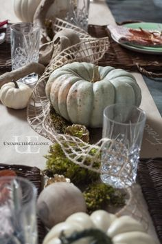 Thanksgiving is just a few shorts weeks away! If you are hosting a meal, then check out this quick and EASY tablescape idea.