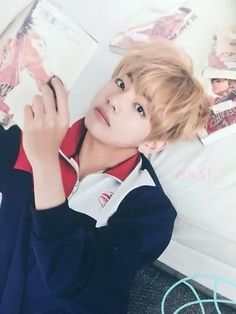 Taehyung looks like Dong Jae from the Kdrama 'Cheer Up!' in this picture :D