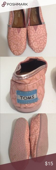 Girls TOMS Girls pink toms shoes in great used condition size 13 TOMS Shoes