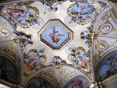 The ceiling of Palazzo Pitti, Florence Florence Apartment, Ages Of Man, Stairs Architecture, Great King, Modern City, Old World Charm, Built Environment, Florence Italy, Looking Up