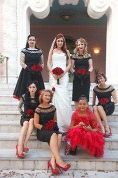 Gothic Wedding, Dream Wedding, Medieval Wedding, Vampire Wedding, Skull Wedding, Michael Myers, Halloween Wedding Dresses, Halloween Weddings, Rockabilly Wedding Decorations