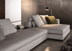 canapé italien en tissu gris chiné avec méridienne par Minotti- Leonard Sofa