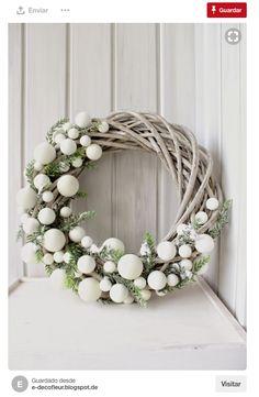 1760 Fotos de Navidad - Pagina 20 Christmas Wreaths To Make, Noel Christmas, Christmas 2017, Holiday Wreaths, Winter Christmas, Holiday Crafts, Christmas Ornaments, Holiday Decor, Modern Christmas